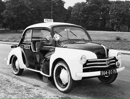 Renault-4cv-5
