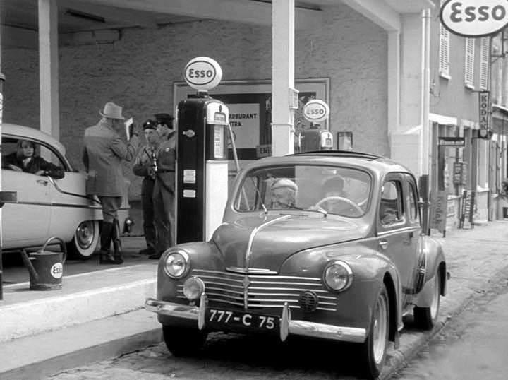 Renault-4cv-6