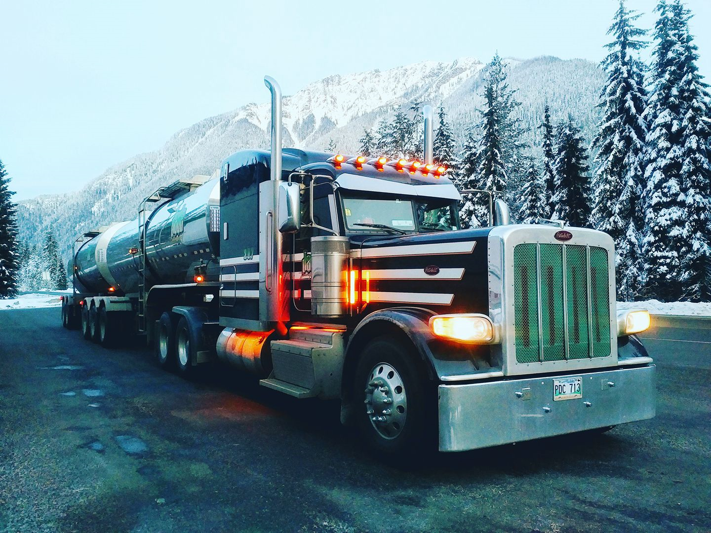 peterbilt_Canadian--Rockies