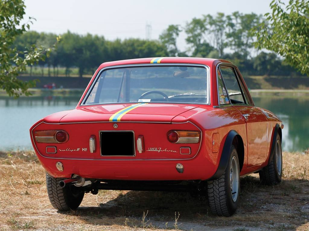 LANCIA-FULVIA-Coupe-Rallye-1-6-HF--Fanalone-1970-2