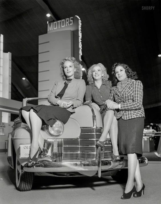 3-girls-on-Oldsmobile-hood