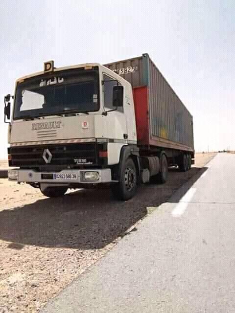 Rauno-en-speciale-stilte-op-algerijnse-wegen