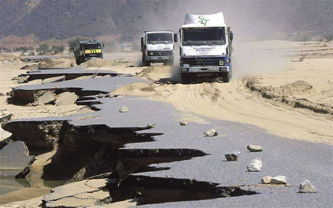 Zie-je-tamanrasset-foto-van-bij-salm-truck