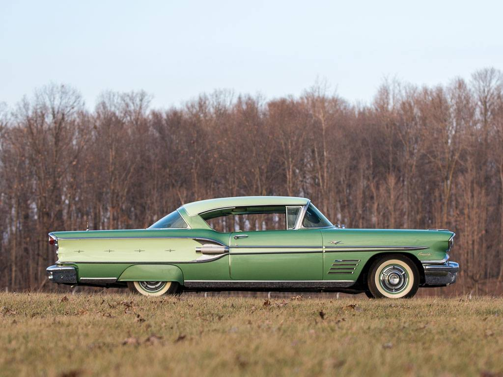 Pontiac-Bonneville-Sports-Coupe-1958-3