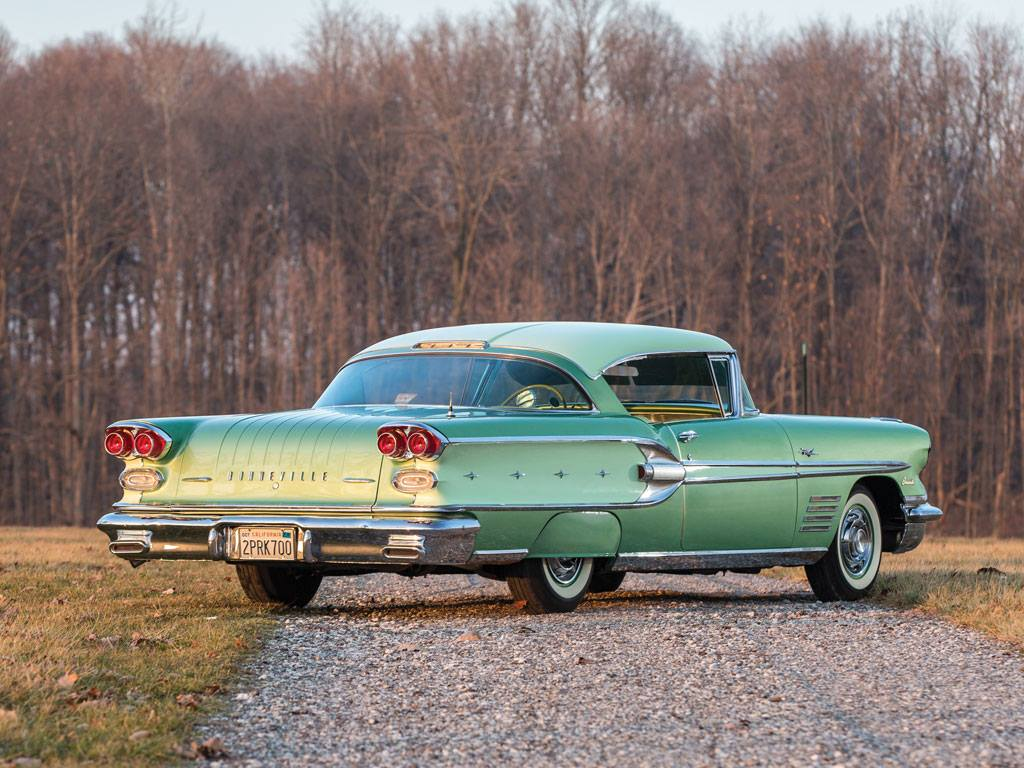Pontiac-Bonneville-Sports-Coupe-1958-4