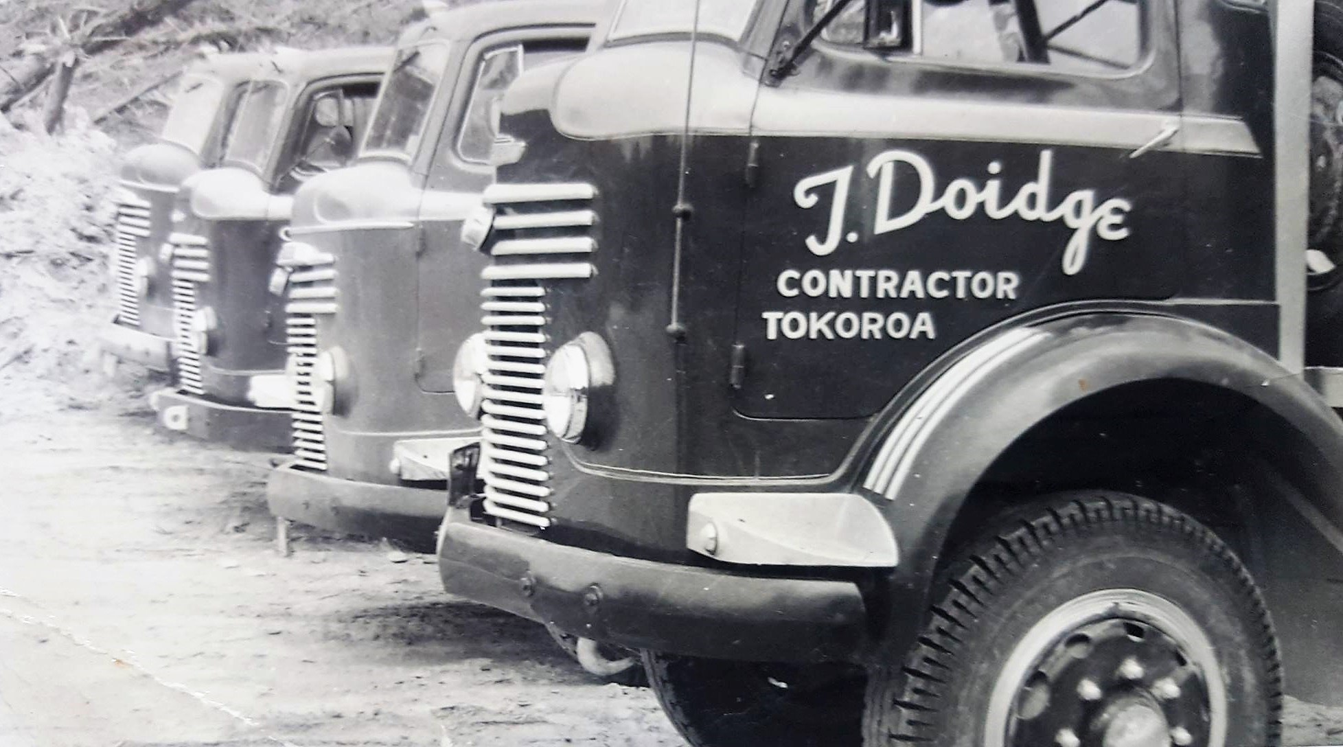 Trevor-Doidge-Tokoroa--Commer-logging-fleet-which-came-before-the-Internationals-1