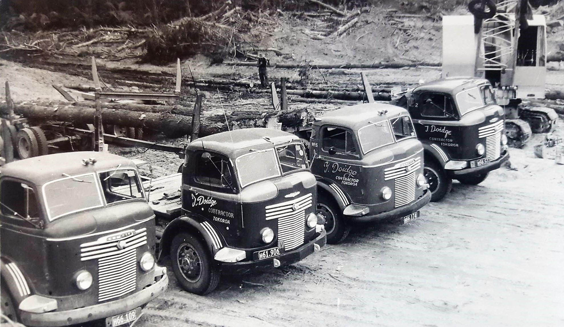 Trevor-Doidge-Tokoroa--Commer-logging-fleet-which-came-before-the-Internationals-2