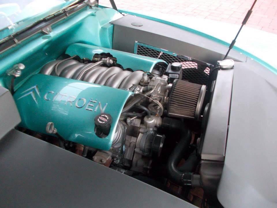 Citroen-DS-V8-3