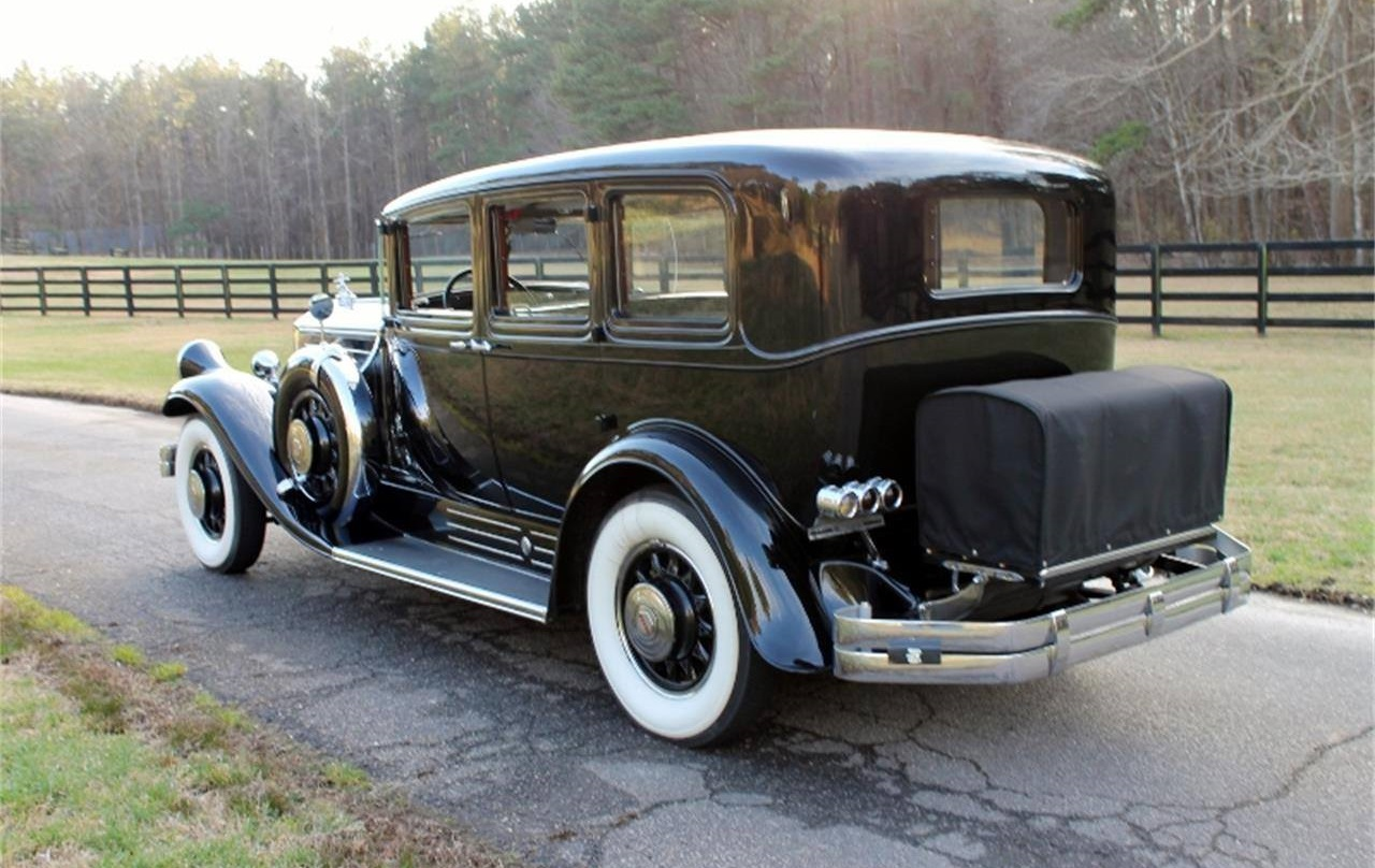 1930-Pierce-Arrow-4S-Limousine-3