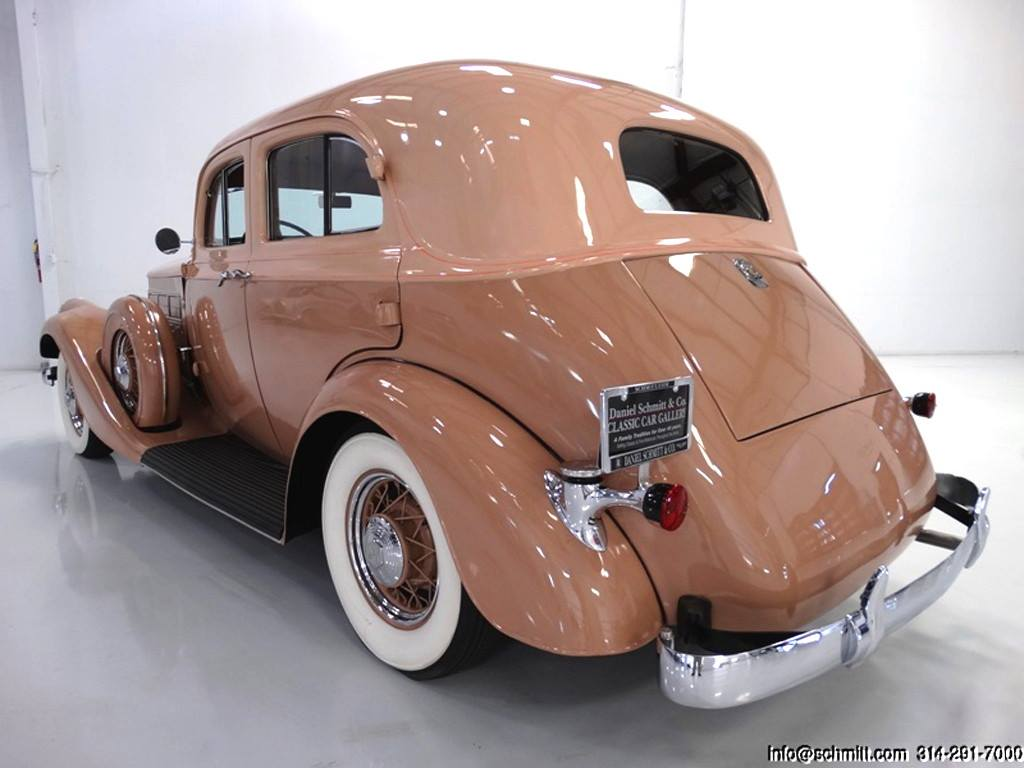 1934-Pierce-Arrow-Model-836A-Sedan-3