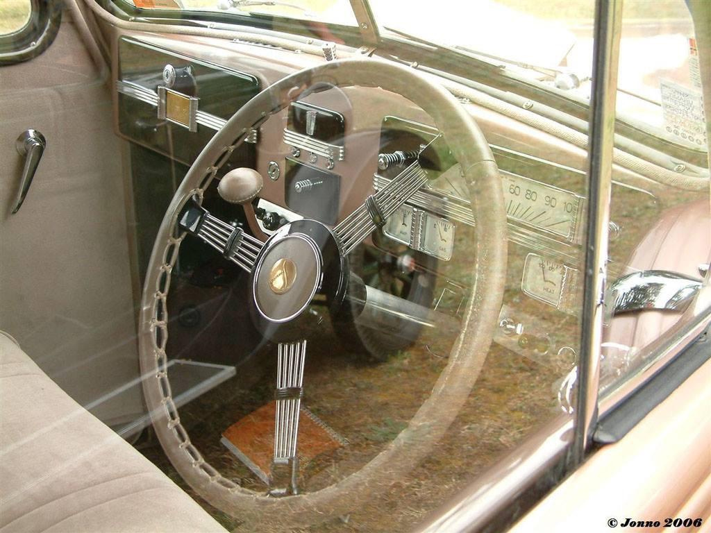 1937-Studebaker-Commander-RHD-2