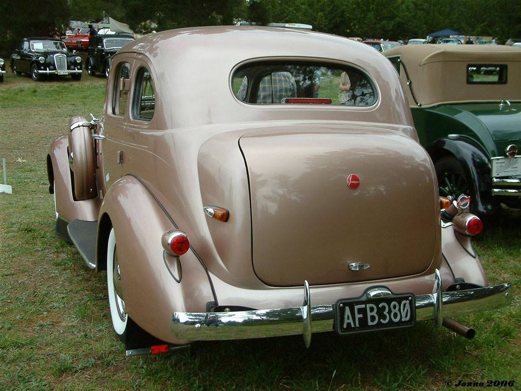 1937-Studebaker-Commander-RHD-3
