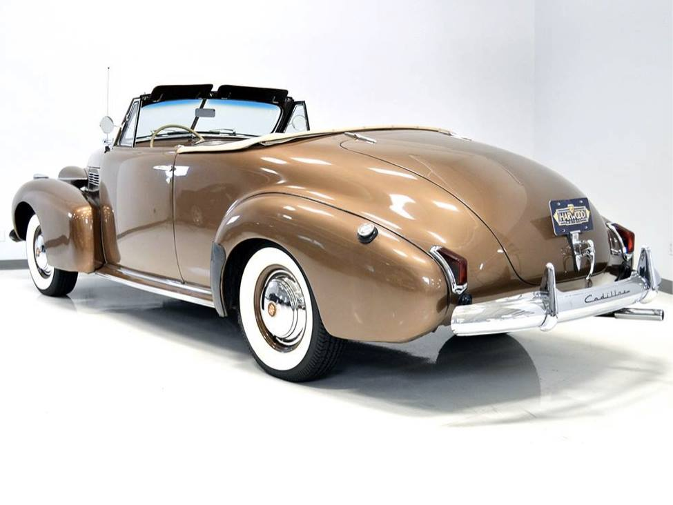 1940-Cadillac-62-Convertible-Coupe-2
