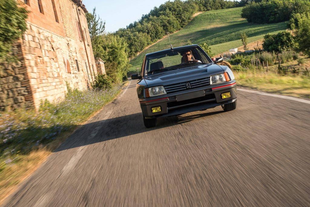Peugeot-205-t16--1984-87-3