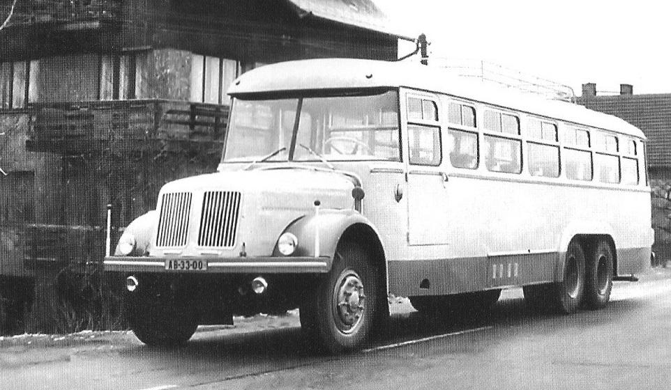 TATRA-T-111-BUS-Tatra-Smichov-1953