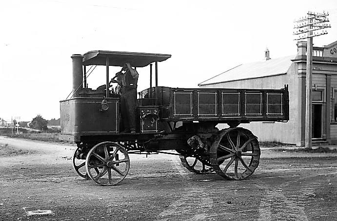 1912-staker-steamer-wagon--Stratford-county-council-1