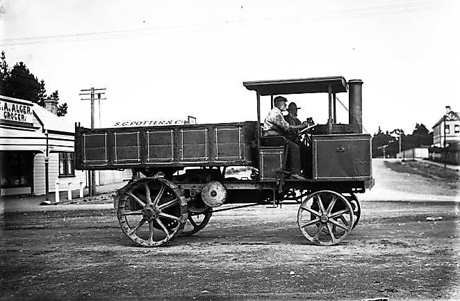 1912-staker-steamer-wagon--Stratford-county-council-2
