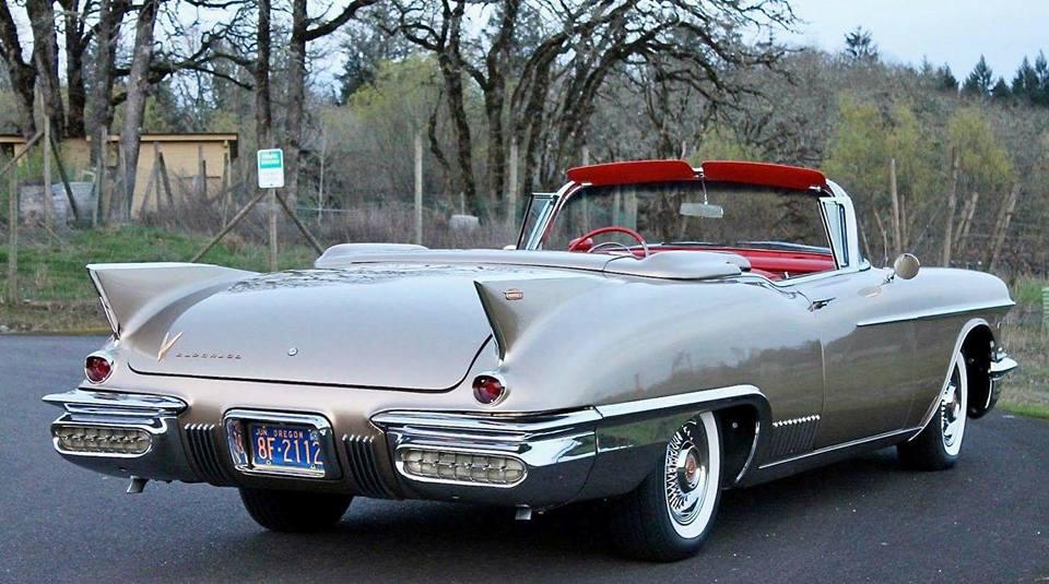 1958-Cadillac-Eldorado-Biarritz-Convertible-2