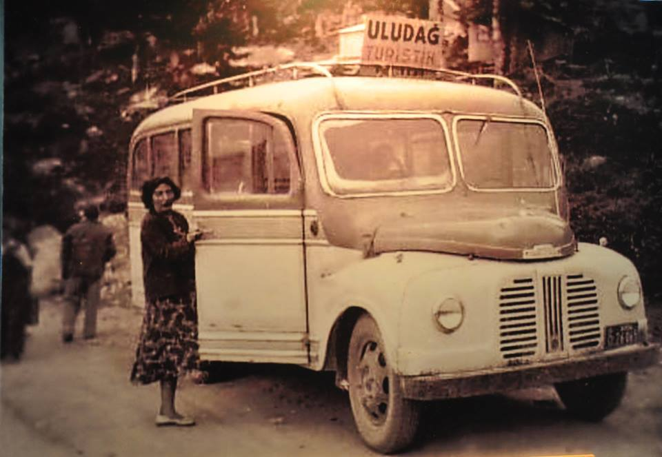 Mini-bus-Austin-Lght-truck-Based-6-cyll-benzine