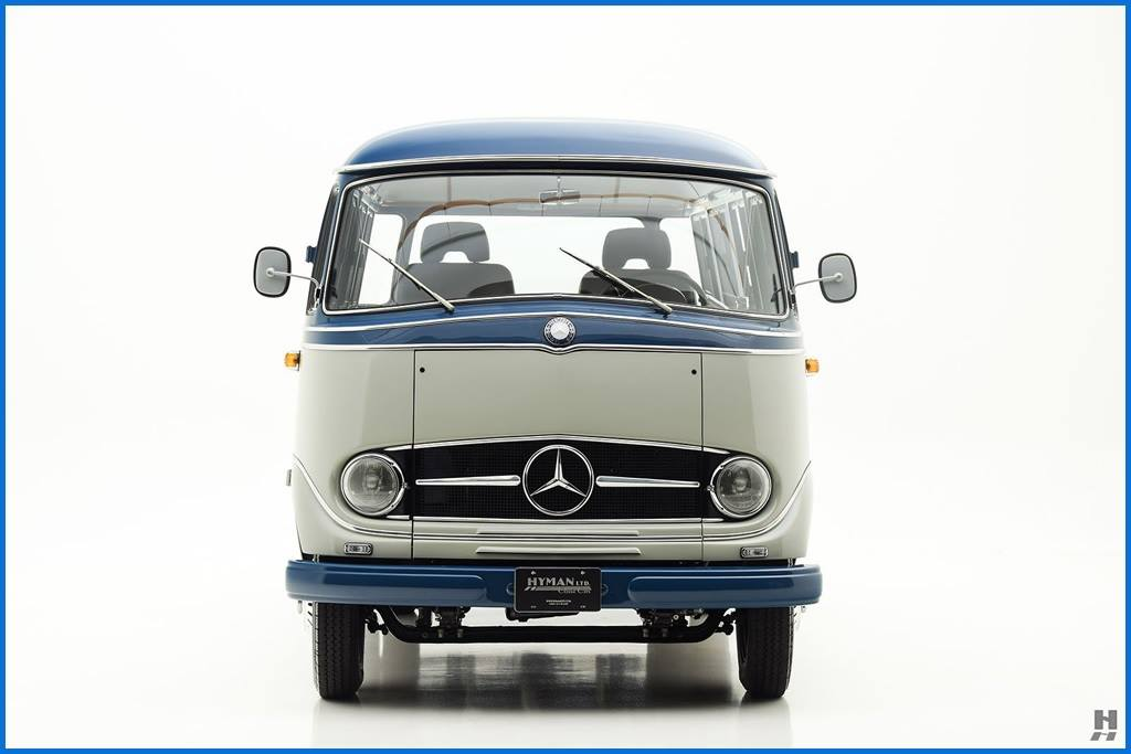 Mercedes-Benz-319-Custom-Bus-1960--1