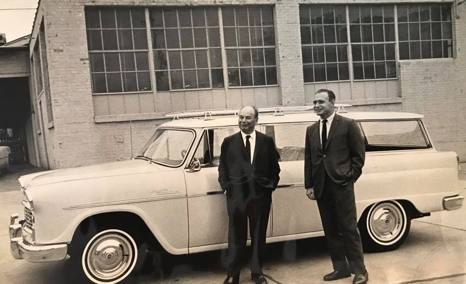 The-famous-Moris-Markin-and-David-Markin-Checker-automobile-developers