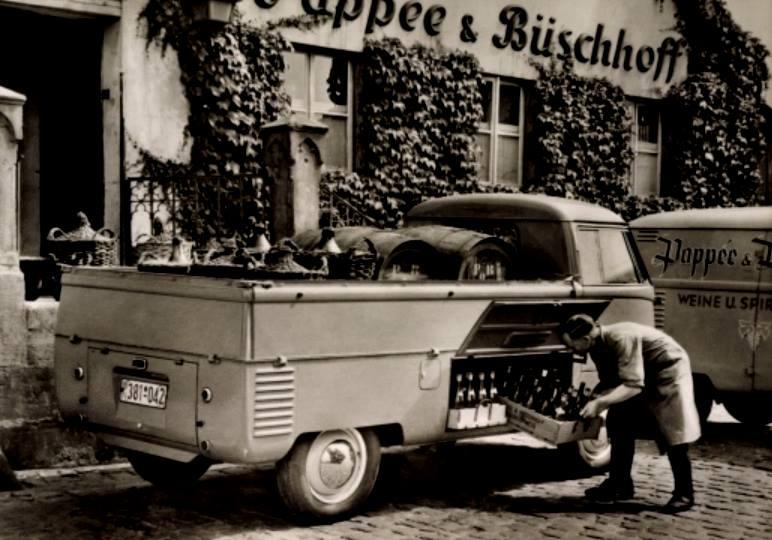 volkswagen-T1-board---busch-hoff-wijnen-en-spirits-braunschweig-1951