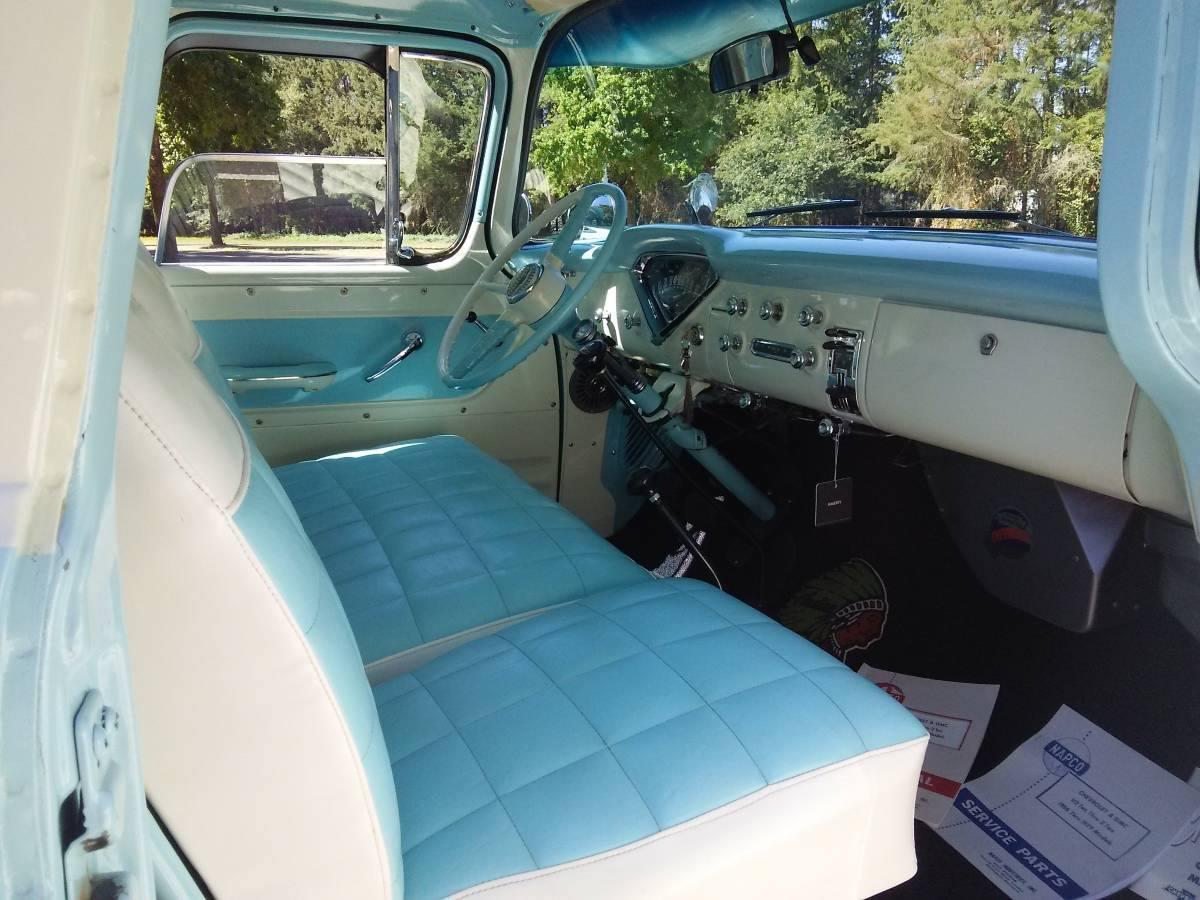 1956-Chevrolet-Suburban-2