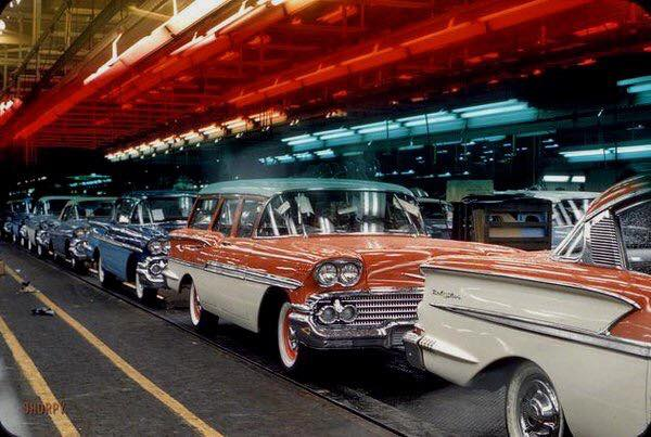Chevrolet-Sedans-and-Station-Wagons-Assembly-Line-1958