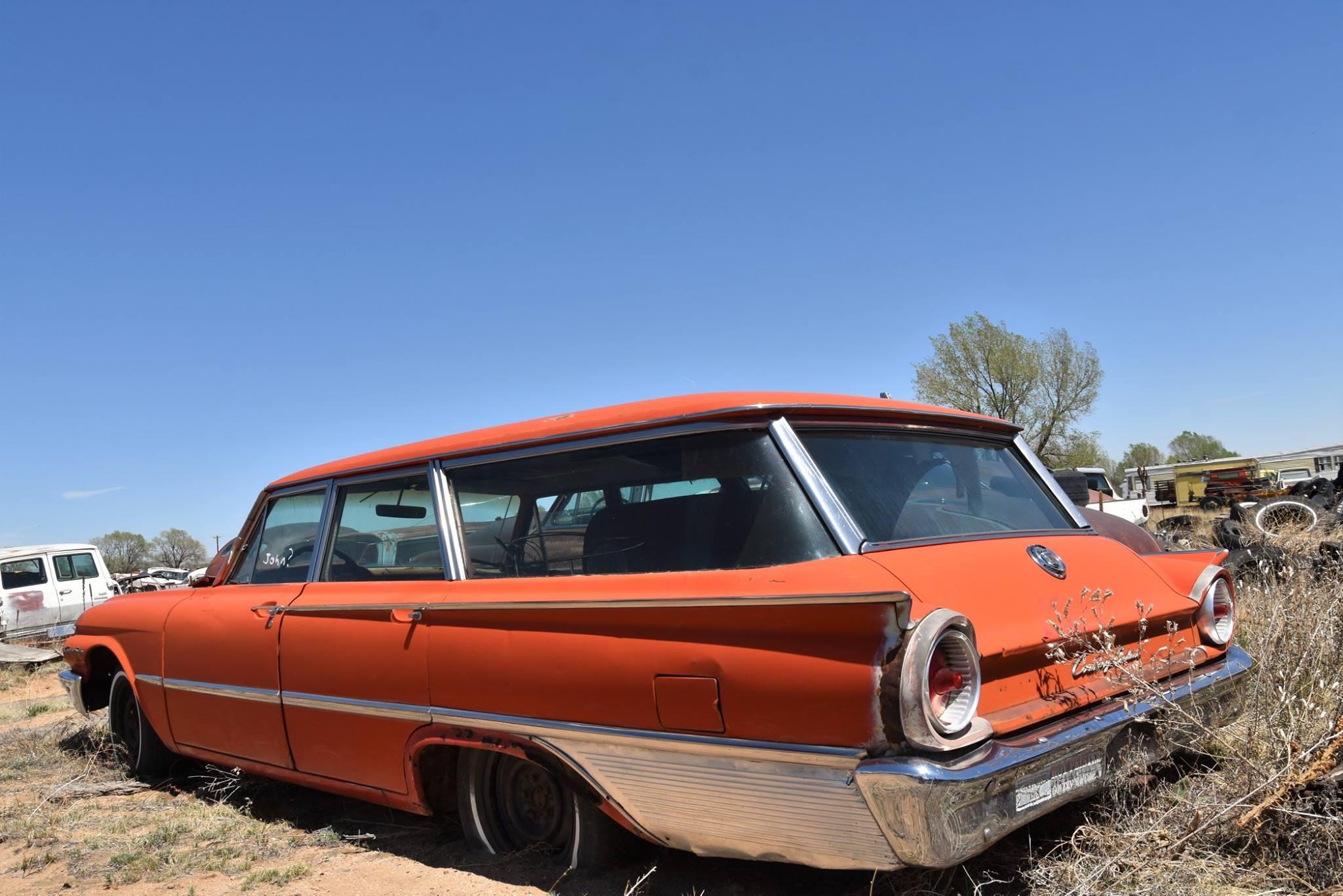 Ford-Country-Sedan-1961