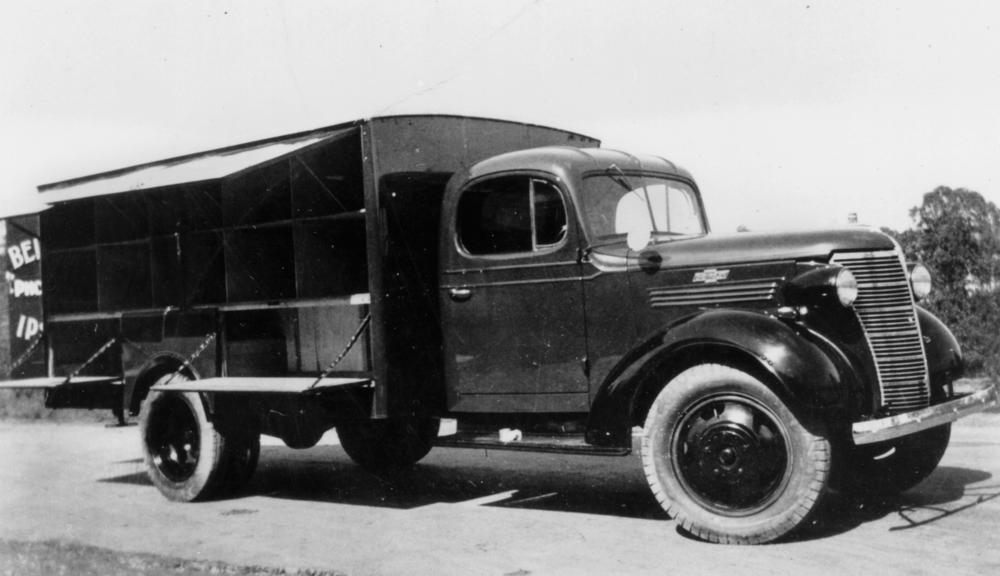 commercial_chevrolet_truck_with_cusomised_body_ca._1938