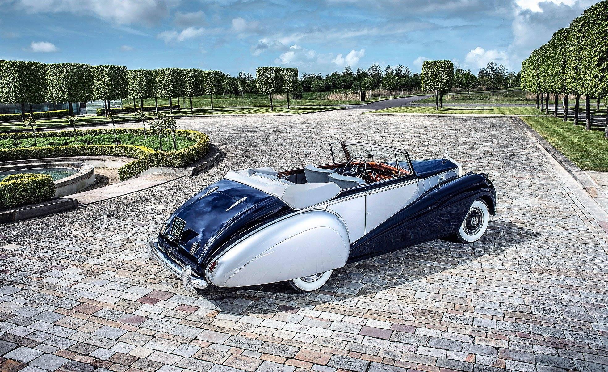 Rolls-Royce-Silver-Dawn-1952-2[1]