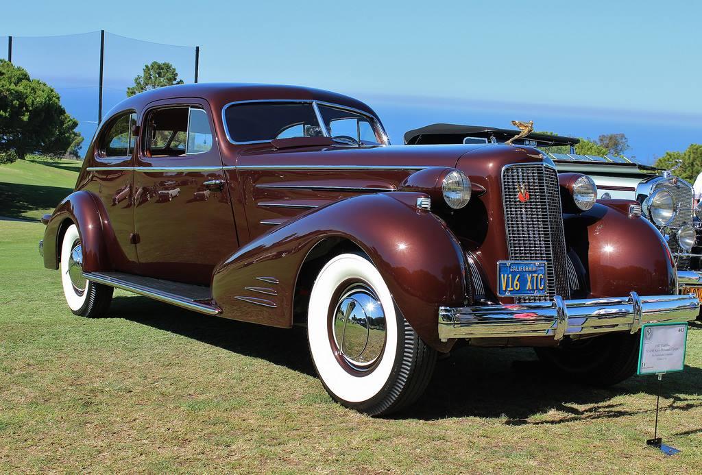 1934-Cadillac-452D-V16-Aero-Coupe