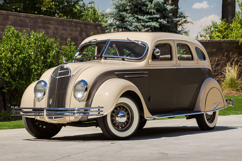 Desoto-AIRFLOW-SEDAN-1935--1