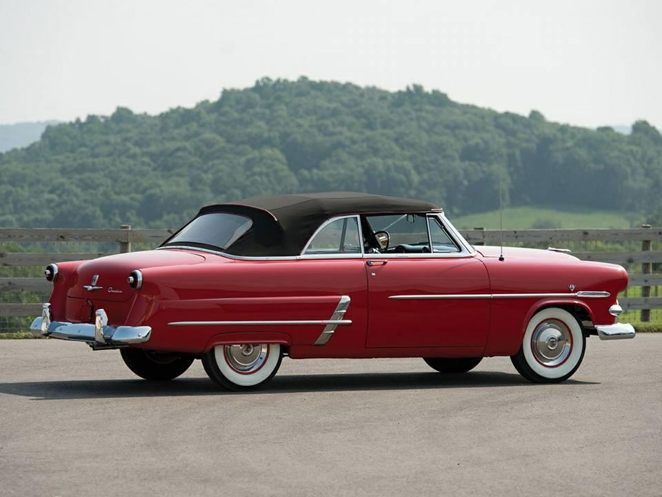 Ford-Crestline-Sunliner-Convertible-1953--3