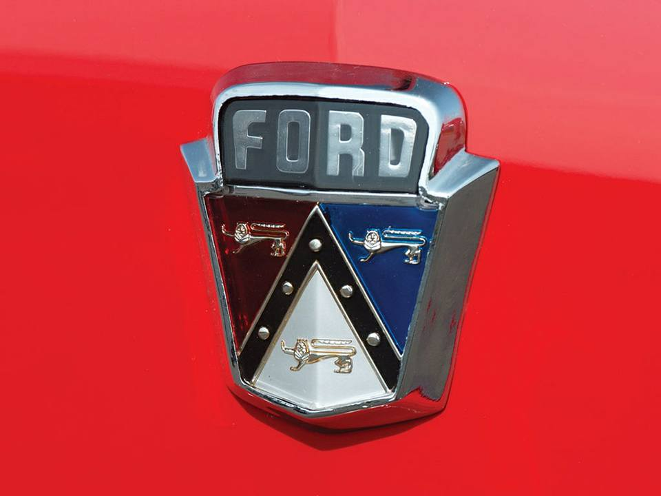 Ford-Crestline-Sunliner-Convertible-1953--4
