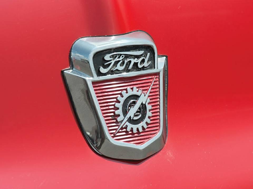 Ford-F-100-Pickup-1956-2