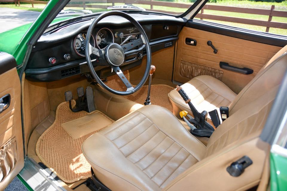 Volkswagen-Karmann-Ghia-1974--2