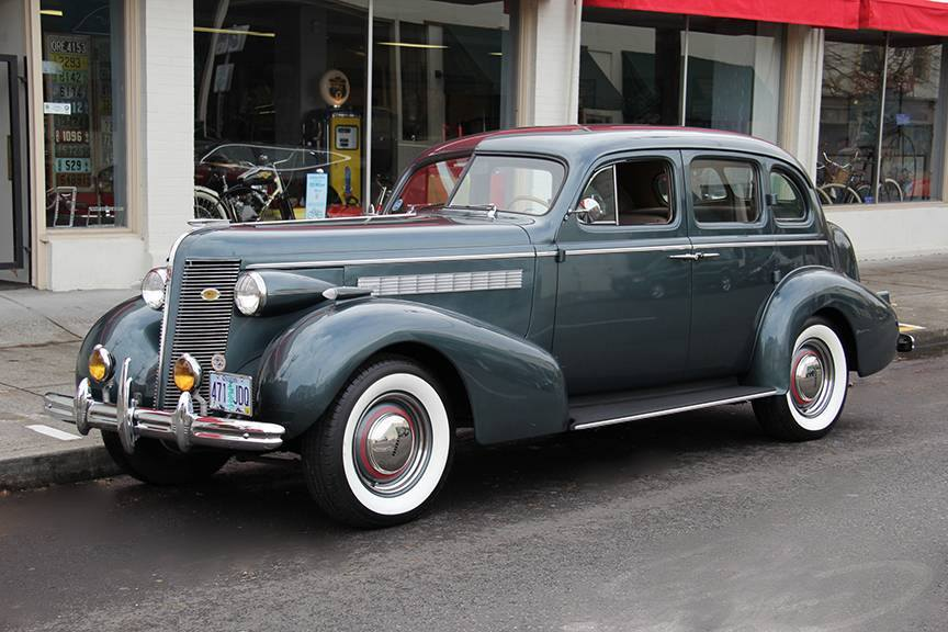 1937-Buick-Special-Series-40-Trunk-Back-Touring-Sedan-1