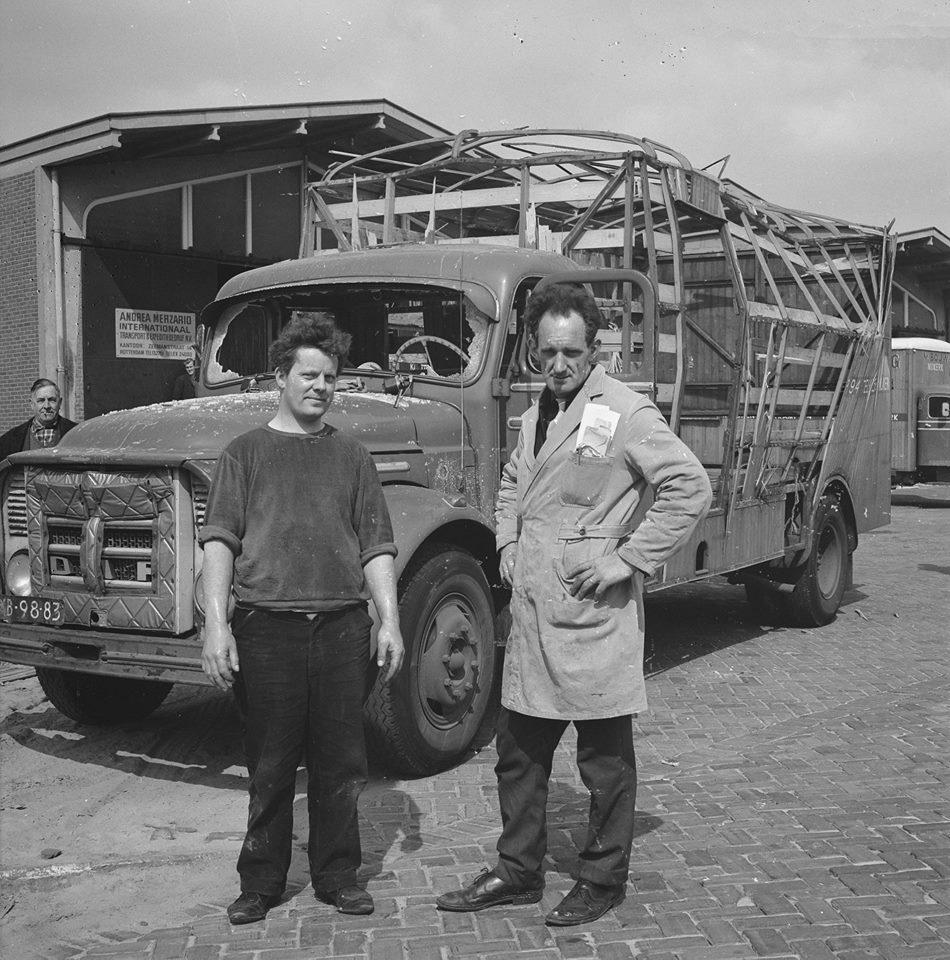 1968-10-april-Ontploffing-in-vrachtwagen-te-Rotterdam-bij-Andrea-Merzario-Internationaal