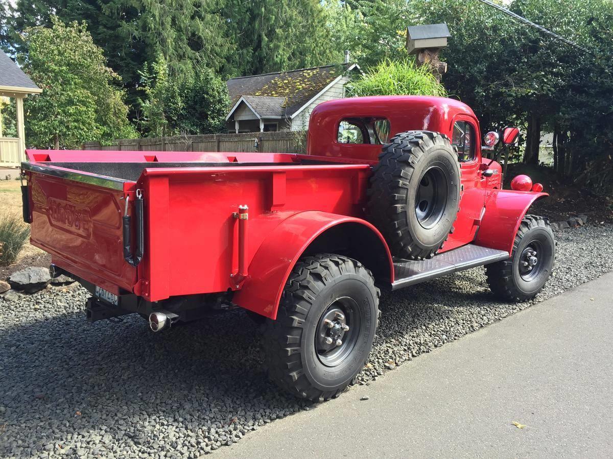 Dodge-1-ton-Power-wagon-Pick-UP-4X4-1949
