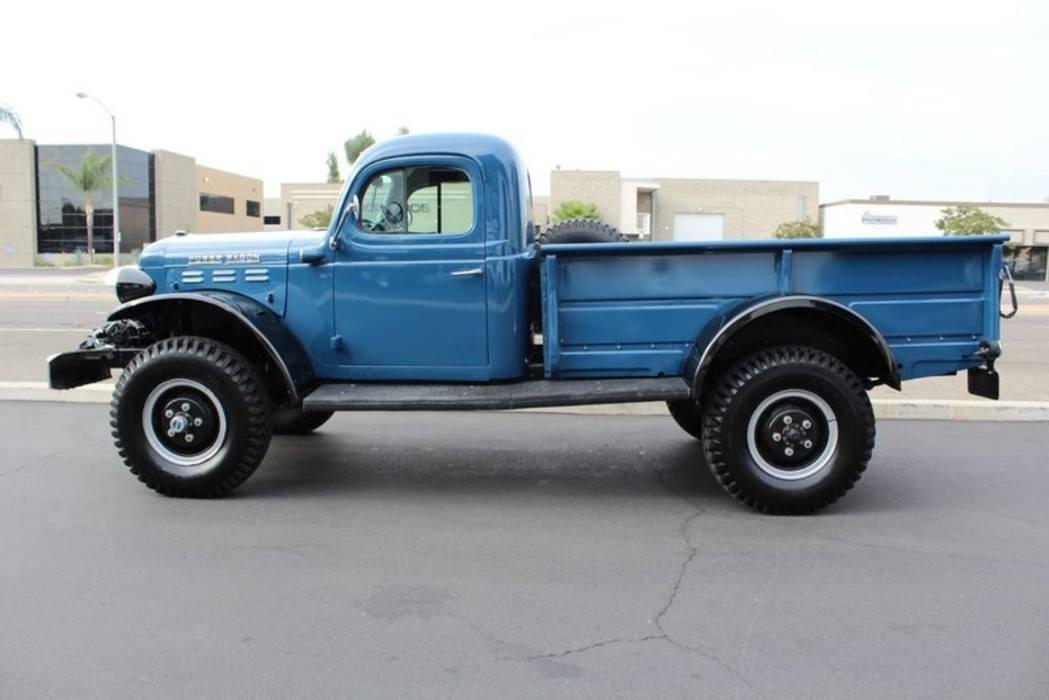 Dodge-Power-Wagon-1955-2