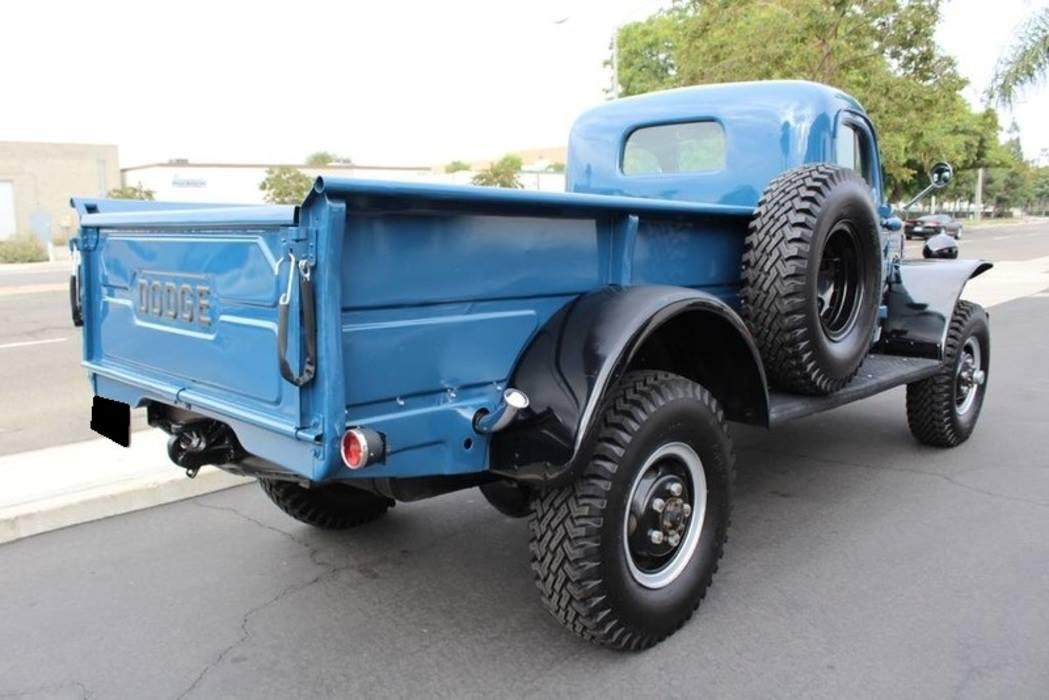 Dodge-Power-Wagon-1955-3