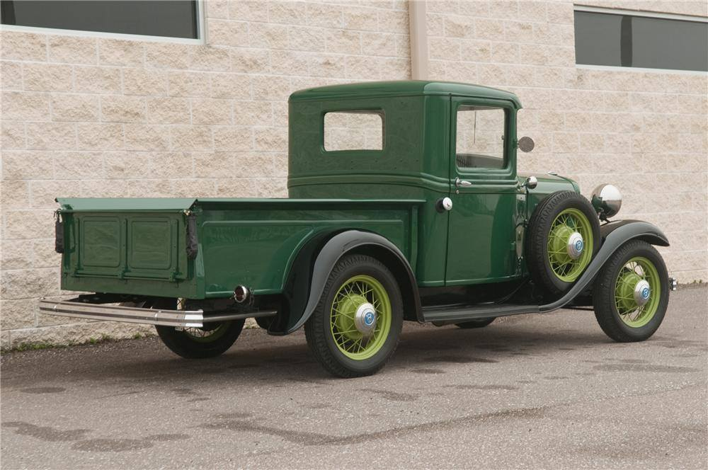 Ford-Model-B-Pickup-1932-the-first-V8--3