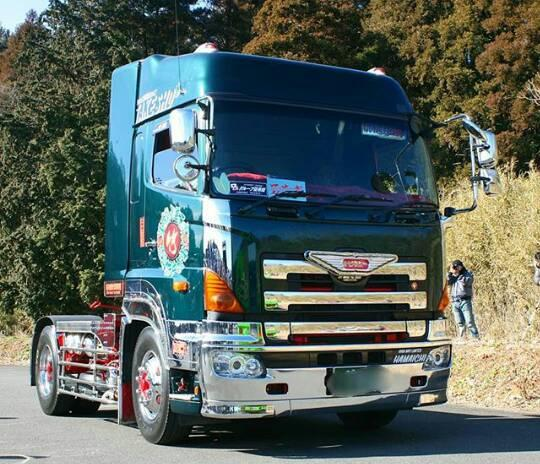 Nissan-truck
