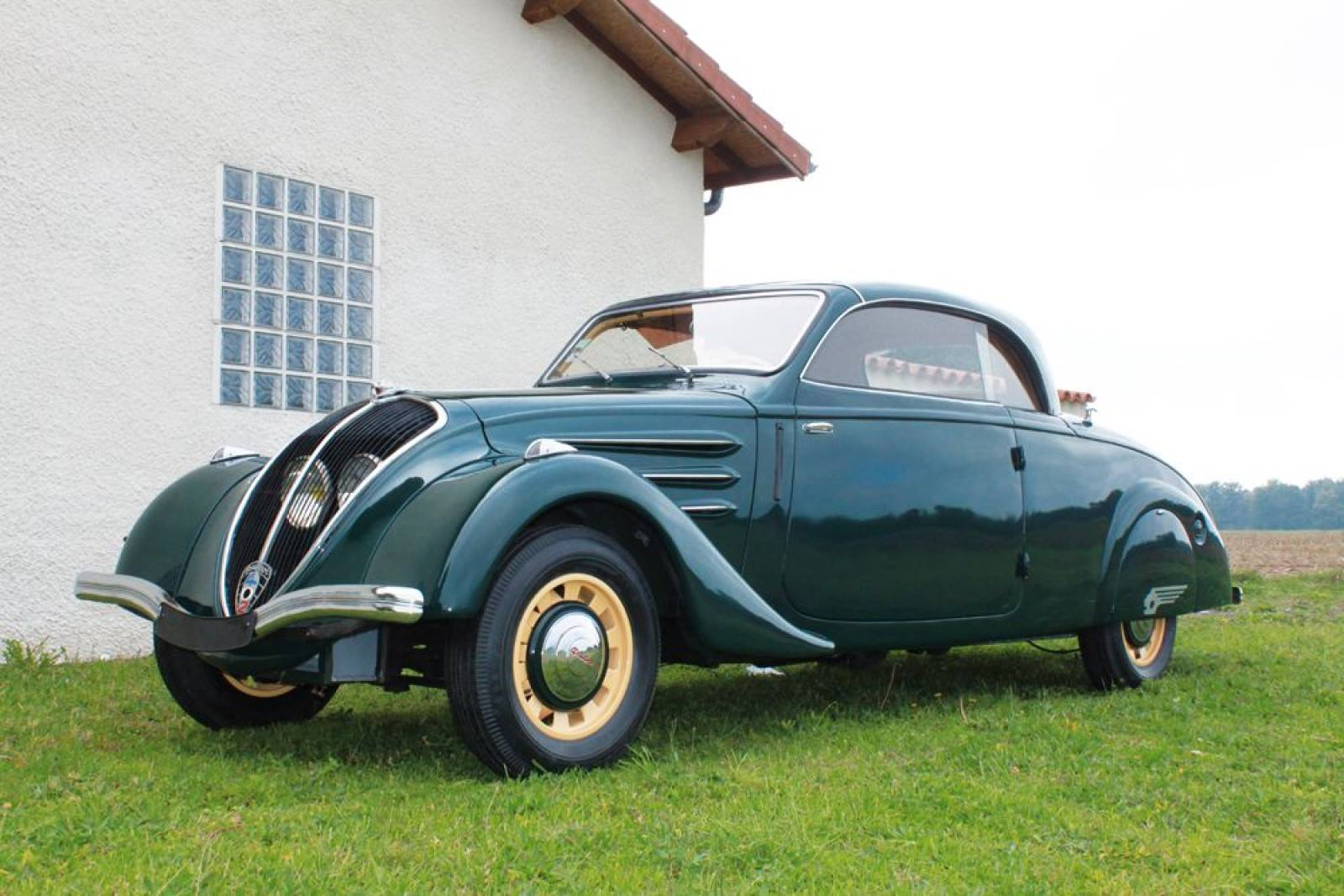 Peugeot-402-Eclipse