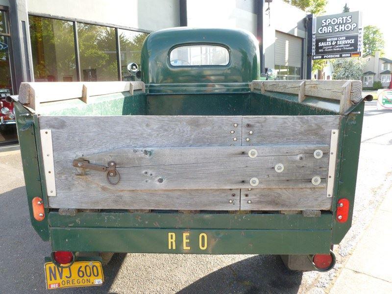 REO-Speedwagon-Pickup-1949-2
