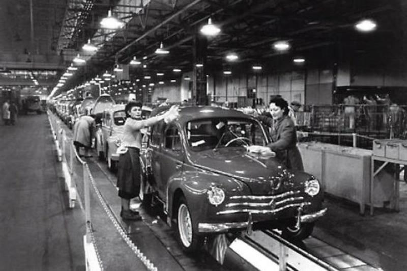 Renault-4-CV