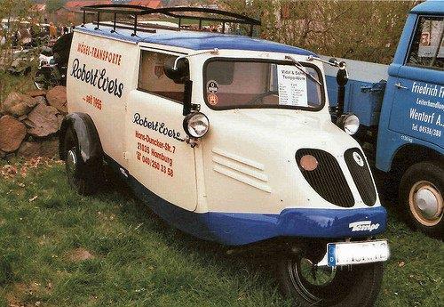 Meubeltransport-Tempo-werd-in-1924-opgericht-en-hield-zich-bezig-met-de-bouw-van-bestelwagens[1]