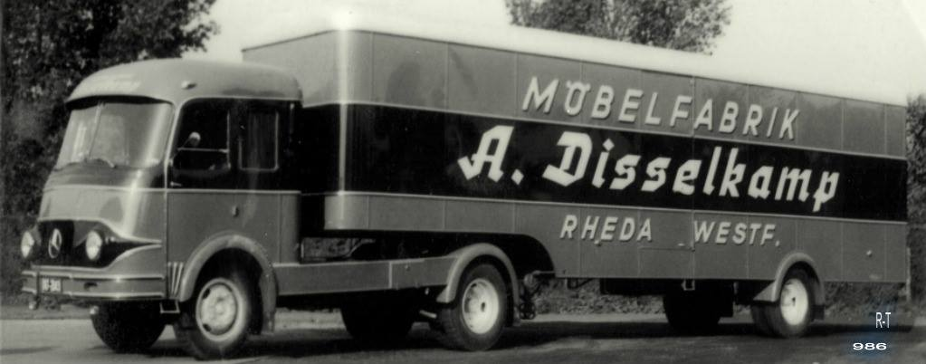 Mercedes--Meubelwagen