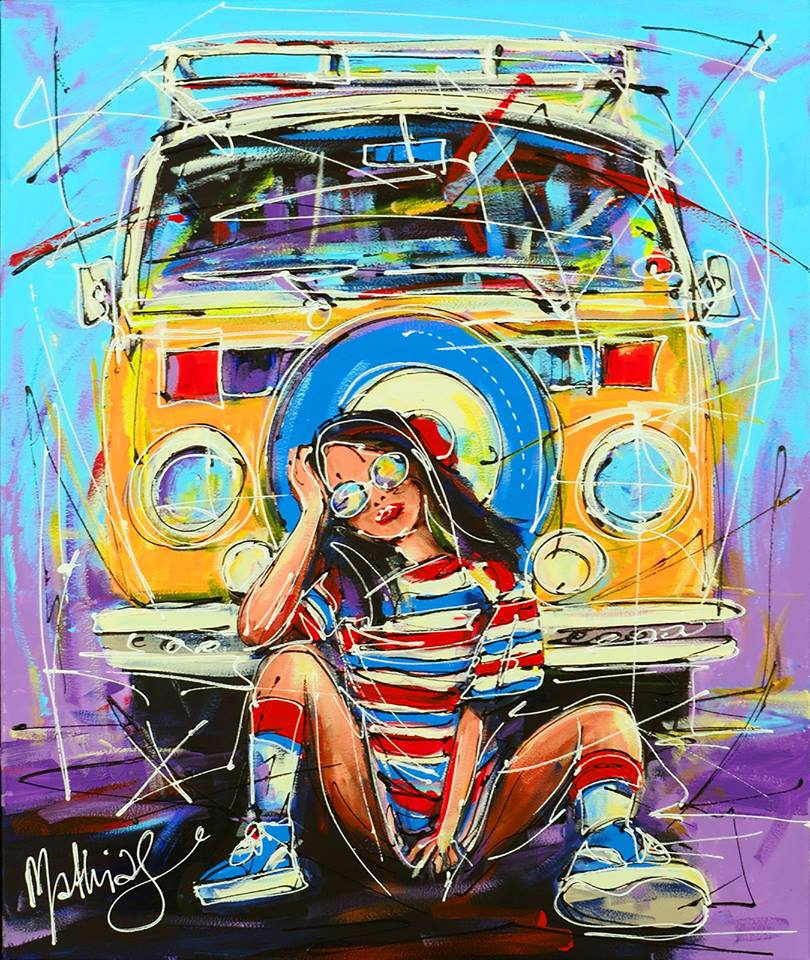 Girl-and-yellow-VW-bus-klein-atelier